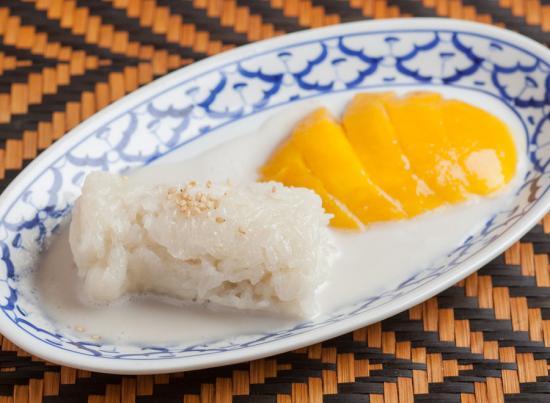 餅米とマンゴーの ココナッツミルク浸し|STICKY RICE AND MANGO WITH COCONUTS MILK